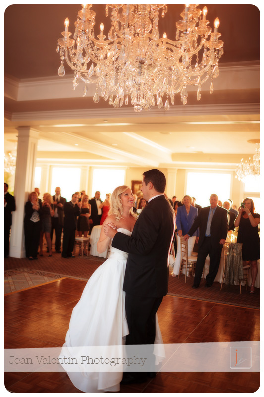 bride and groom first dance at Trump Golf Club wedding