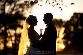 sunset portrait of bride and groom at radnor country club