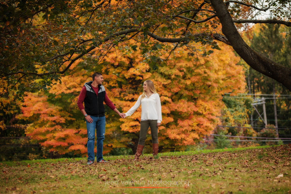 Engagement portraits in the fall in a park